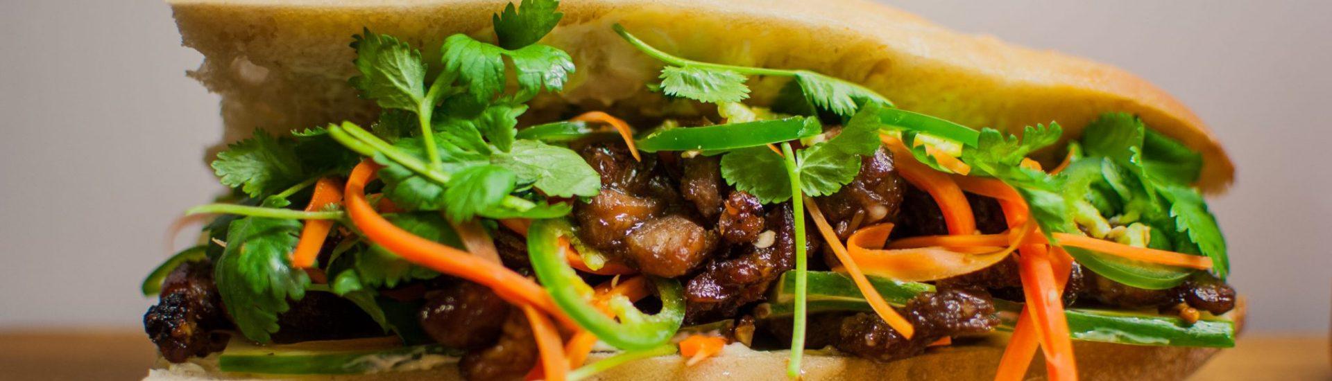 Banh Mi med citrongräsmarinerat fläsk